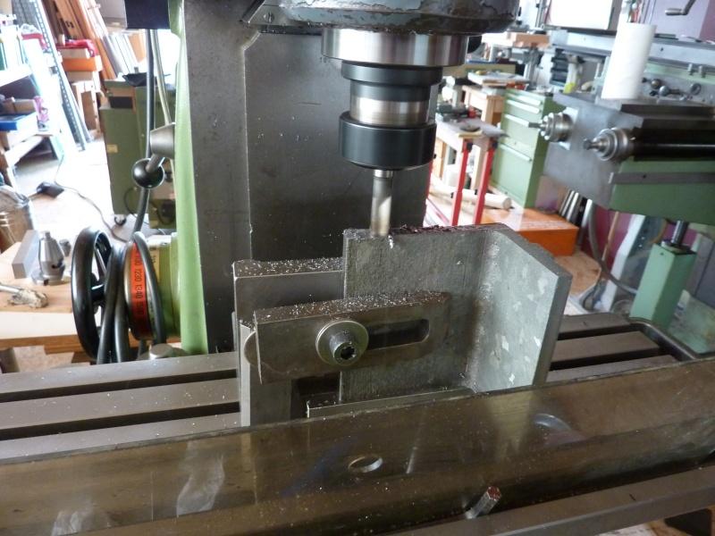Fabrication d'une platine avec coulisses et vis-mère pour établi ! P1010637