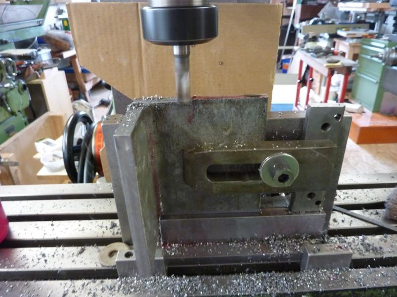 Fabrication d'une platine avec coulisses et vis-mère pour établi ! P1010638