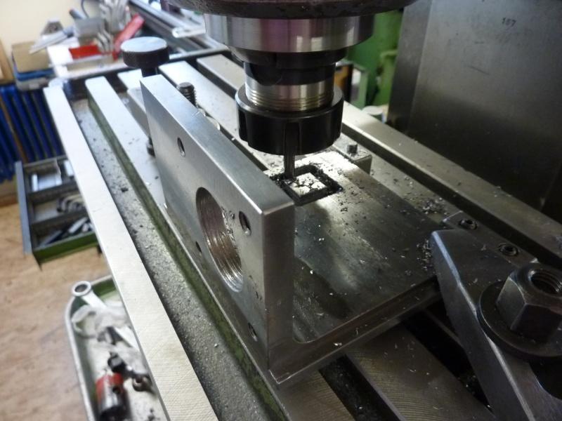 Fabrication d'une platine avec coulisses et vis-mère pour établi ! P1010656