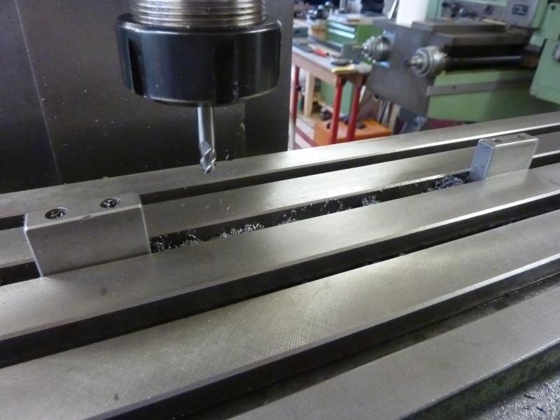Fabrication d'une platine avec coulisses et vis-mère pour établi ! P1010714