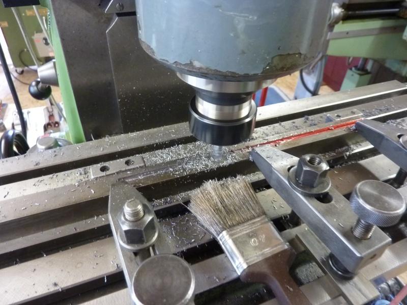 Fabrication d'une platine avec coulisses et vis-mère pour établi ! P1010716
