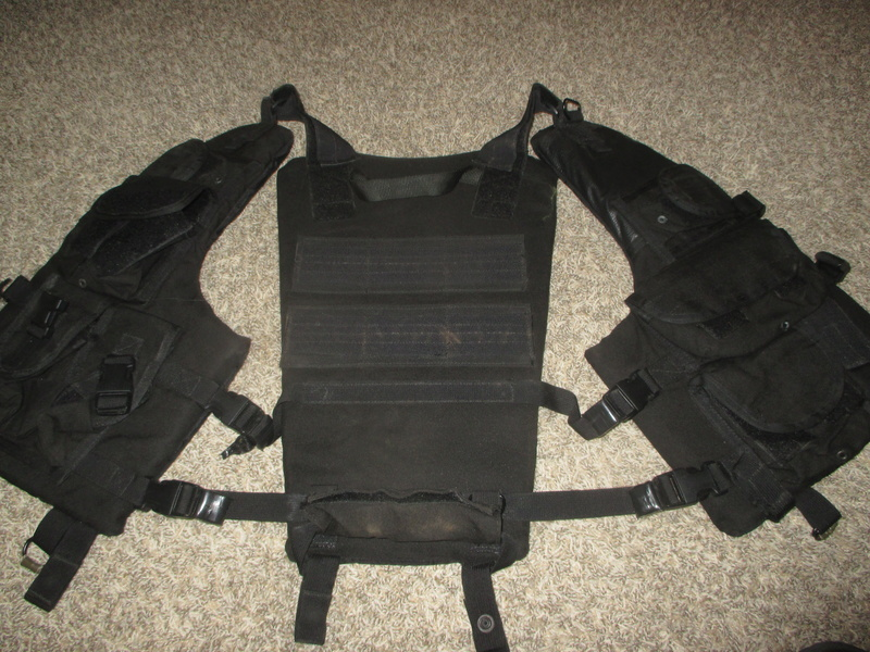 Tactical Flotation Vest - Black Img_0412