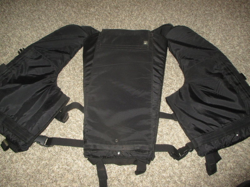 Tactical Flotation Vest - Black Img_0413