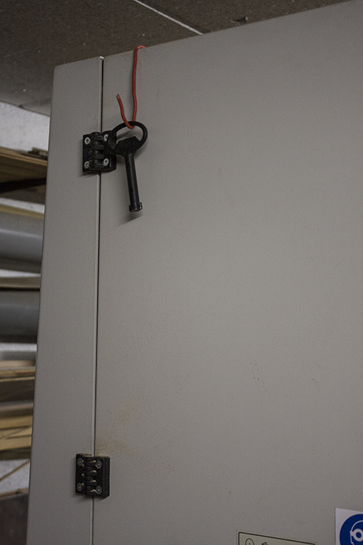 [Achat chez Marty… la « boite » est sérieuse] Une Minimax S 400 P dans l'atelier Cly10