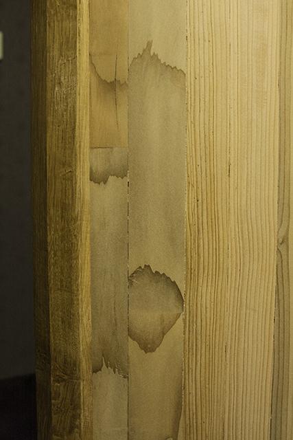 [Fabrication] Un habillage de cheminée en cèdre - Page 3 Portef10