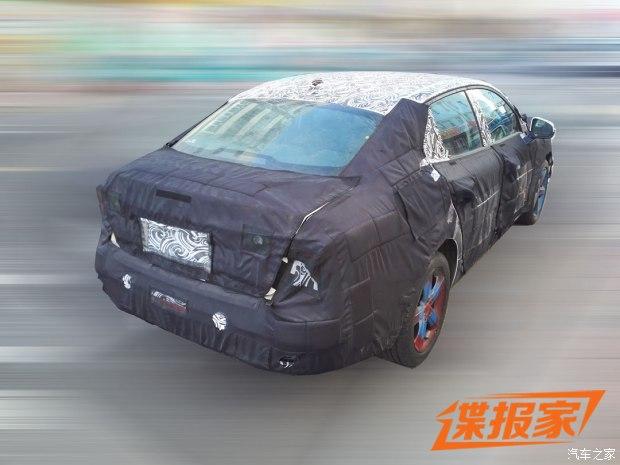 2018 - [Lynk&Co] 03 Sedan 620x0_12