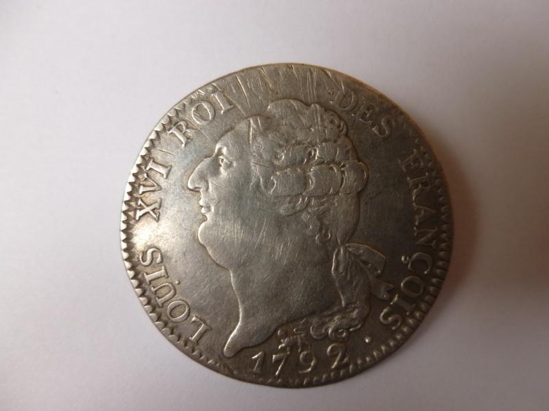 Cet écu de Louis XVI au génie, vous paraît-il authentique ? Port_310