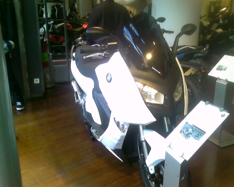 Bmw c600 white Sp_a0613