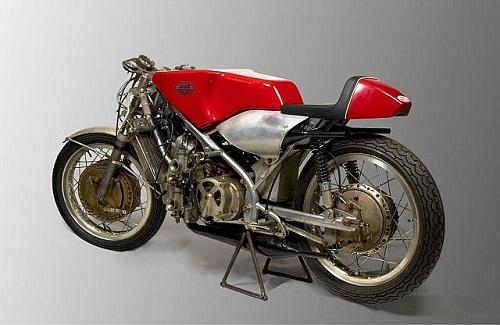 Les motos les plus moches de l'histoire ! (notre palmarès)  Jawa-m11