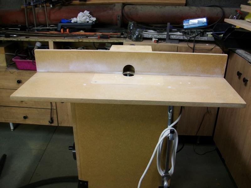 Ma défonceuse sous table Imgp6011