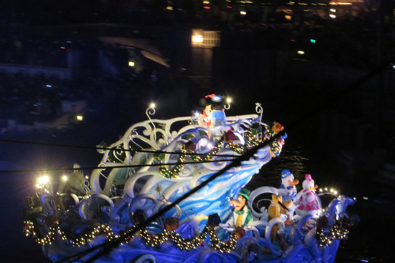 "[Tokyo DisneySea] 15th anniversary ""The Year of Wishes"" (du 15 avril 2016 au 17 mars 2017) Img_0111"