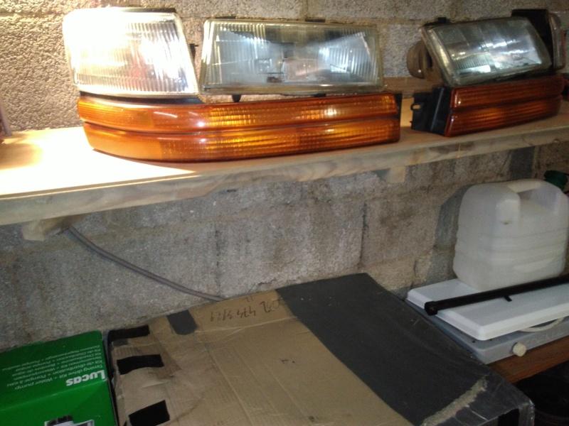 vend phare avant en vitre (rare) schrysler s2 phare réserver Img_2028