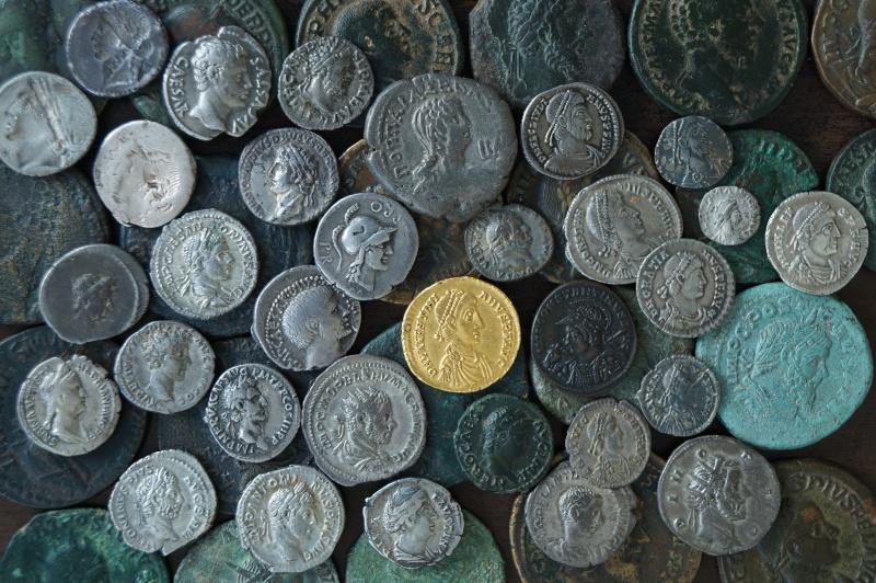 Mes autres monnaies - Page 2 Dsc04310
