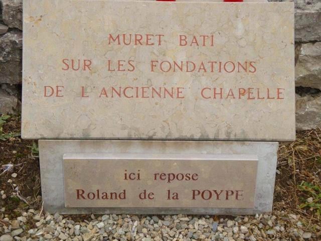 Hommage rendu au colonel Roland de La Poype 22 octobre 2016 dans le petit cimetière, au pied de la chapelle de Cozance à Trept en Isère Dsc03111