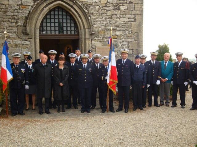 Hommage rendu au colonel Roland de La Poype 22 octobre 2016 dans le petit cimetière, au pied de la chapelle de Cozance à Trept en Isère Dsc03112