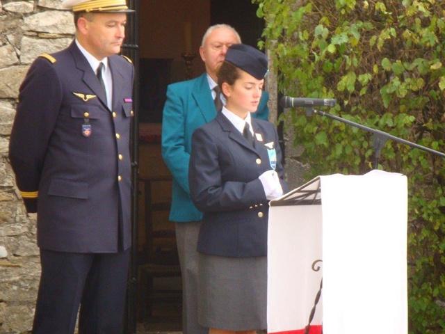 Hommage rendu au colonel Roland de La Poype 22 octobre 2016 dans le petit cimetière, au pied de la chapelle de Cozance à Trept en Isère Dsc03113