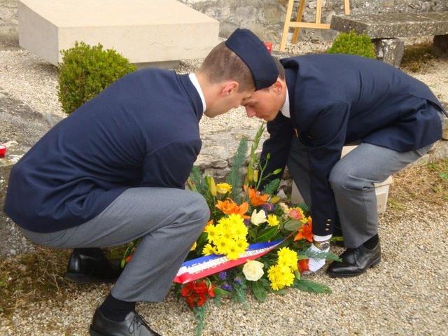 Hommage rendu au colonel Roland de La Poype 22 octobre 2016 dans le petit cimetière, au pied de la chapelle de Cozance à Trept en Isère Dsc03114