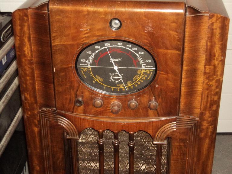Marconi  model 85 Dsc00030
