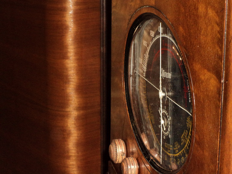 Marconi  model 85 Side_d10