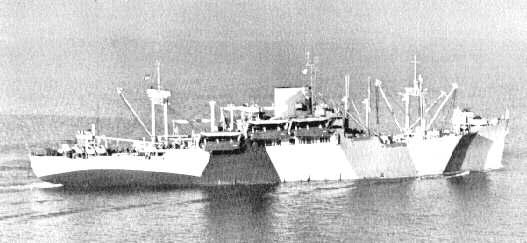 8 - Le mouillage des transports d'assaut et l'approche de la plage Apa30t10