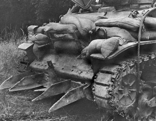 La guerre des Haies et le Hedgecutter.... Le taille Haie Normand ! Rhino_10