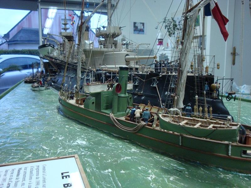 diorama: le cuirassé BOUVET au mouillage en rade de Lorient Dsc05848