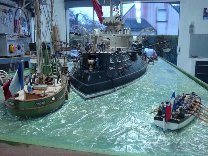 diorama: le cuirassé BOUVET au mouillage en rade de Lorient Dsc05849