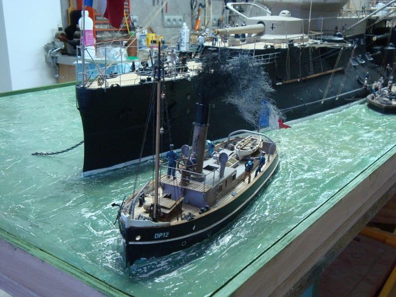 diorama: le cuirassé BOUVET au mouillage en rade de Lorient Dsc05861