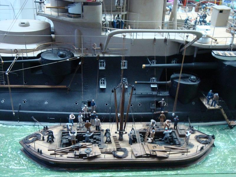 diorama: le cuirassé BOUVET au mouillage en rade de Lorient Dsc05864