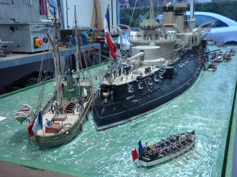 diorama: le cuirassé BOUVET au mouillage en rade de Lorient Dsc05866