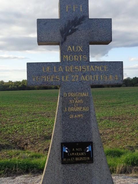 Stèle sur la route de Gien à Bourges compagnie Bildstein Route_10
