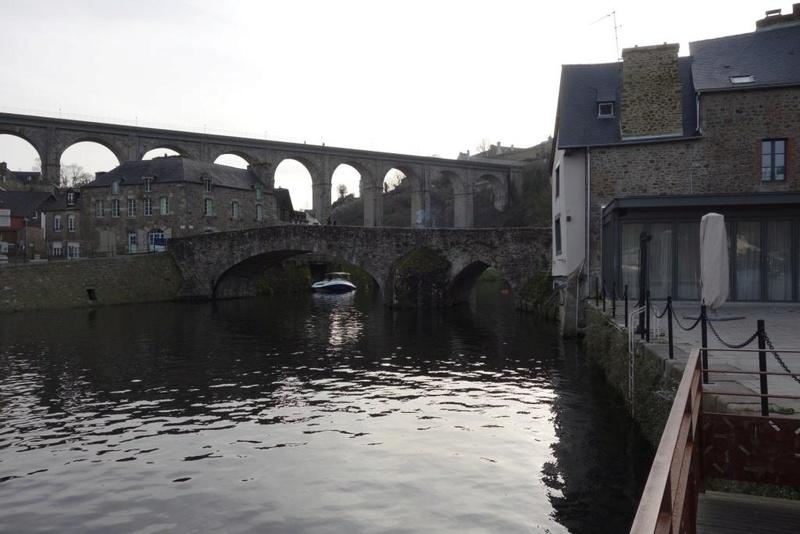 Le pont, incontournable du paysage routier - Page 3 Saint_10