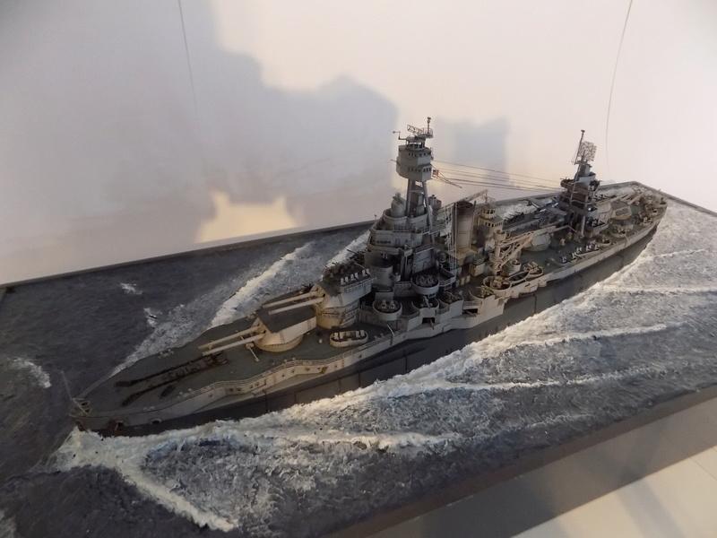 USS TEXAS 1/350 TRUMPETER Dscn0224