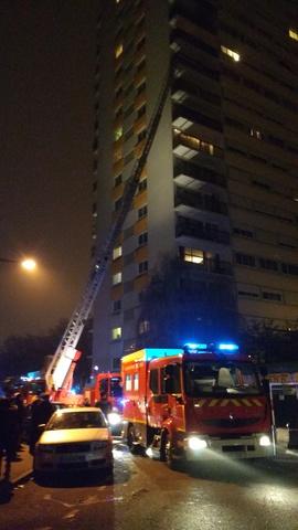 Incendies aux 3-5-7 rue Jean Macé Val de Fontenay Img_2010