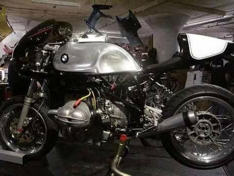 C'est ici qu'on met les bien molles....BMW Café Racer - Page 3 1112