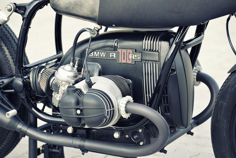 C'est ici qu'on met les bien molles....BMW Café Racer - Page 2 3110