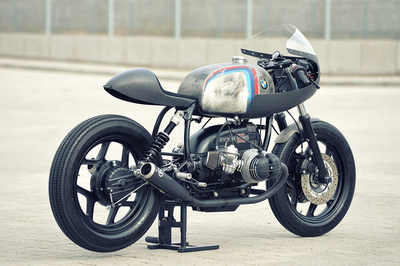 C'est ici qu'on met les bien molles....BMW Café Racer - Page 2 3910