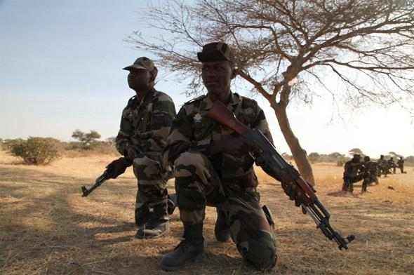 Armée Malienne / Armed and Security Forces of Mali - Page 14 0b38