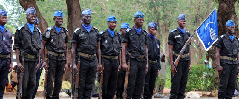 Armées de la République centrafricaine  - Page 3 0b54