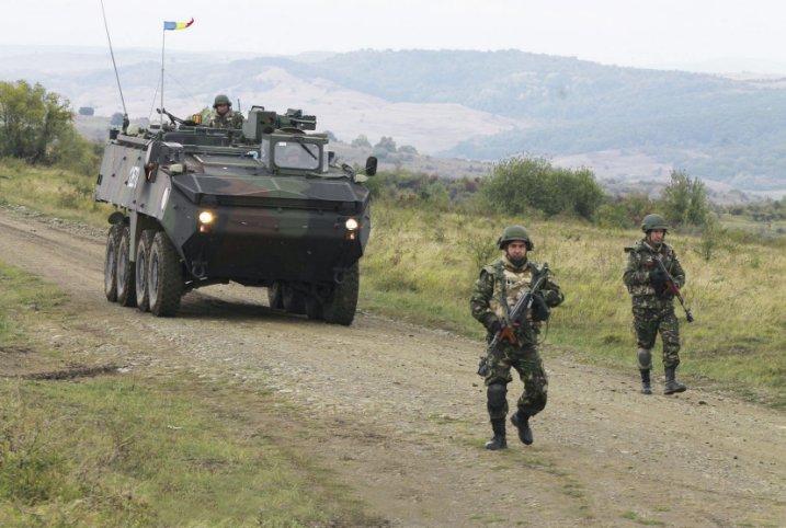 Armée Roumaine/Romanian Armed Forces/Forţele Armate Române - Page 9 0b57