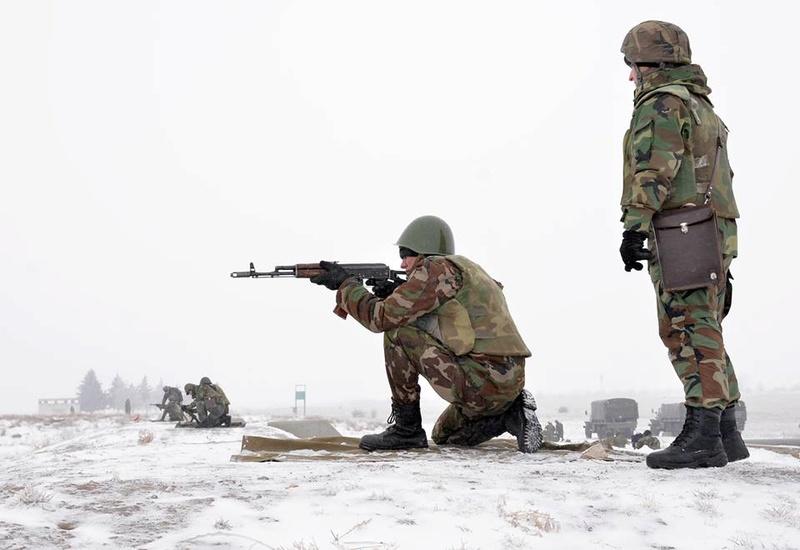 Forces armées moldaves - Page 2 1052