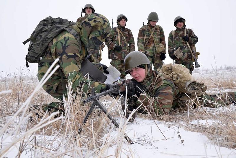 Forces armées moldaves - Page 2 1235