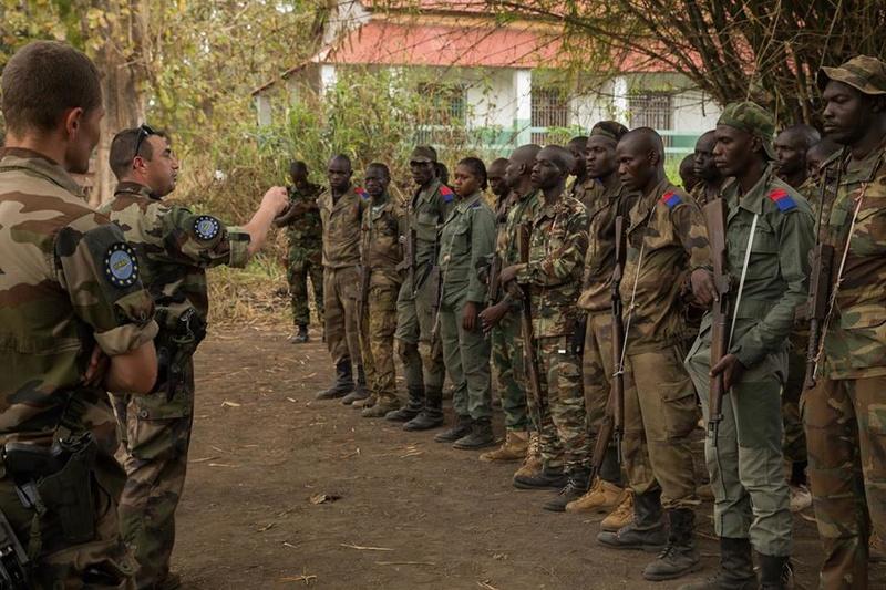 Armées de la République centrafricaine  - Page 3 1443