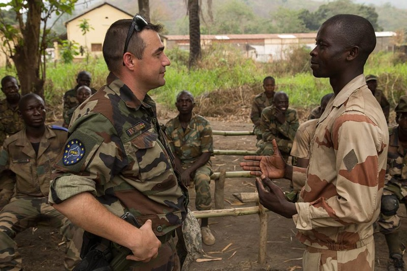 Armées de la République centrafricaine  - Page 3 2077