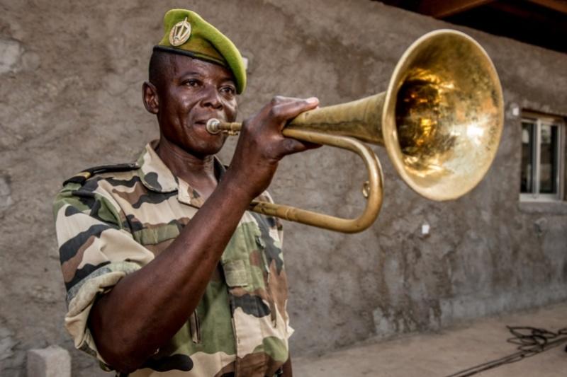 Armées de la République centrafricaine  - Page 3 2164