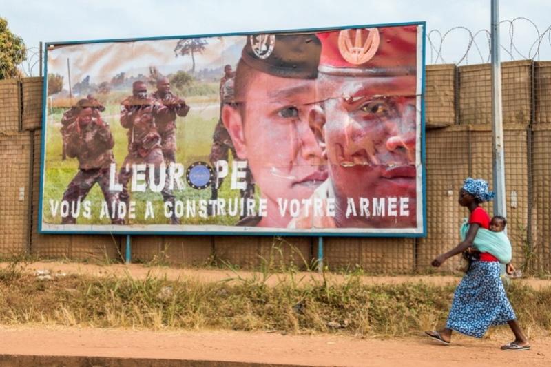 Armées de la République centrafricaine  - Page 3 2622