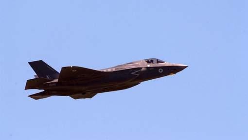 JSF F-35 Lightning II - Page 35 61j11