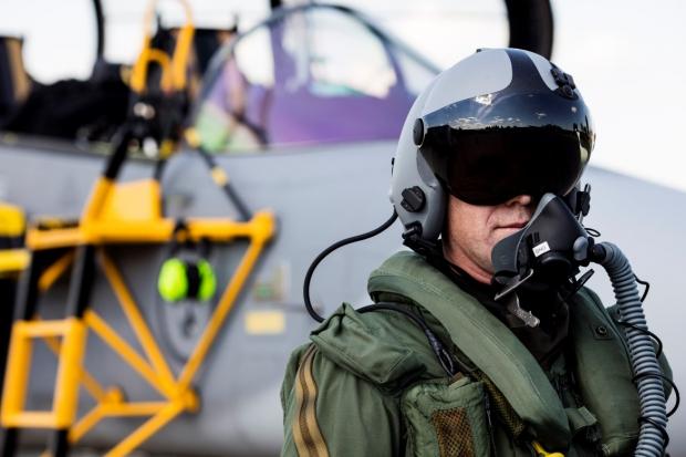 Saab: présentation du futur Gripen - Page 3 6455