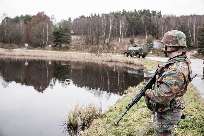 Armée Belge / Defensie van België / Belgian Army  - Page 7 6947