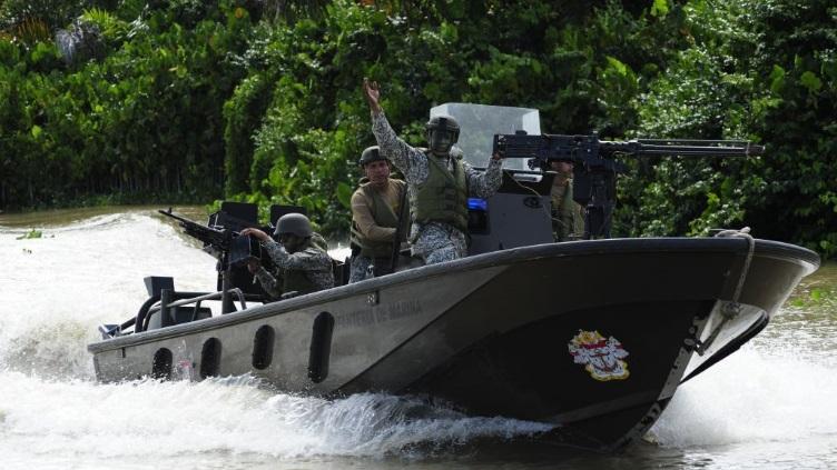 Armée Colombienne / Military Forces of Colombia / Fuerzas Militares de Colombia - Page 14 7025
